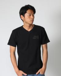 ブラック:180cm/67kg (Lサイズ着用)